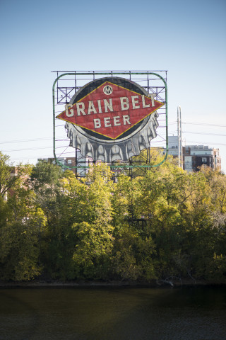Grain Belt Sign 2014 320x480